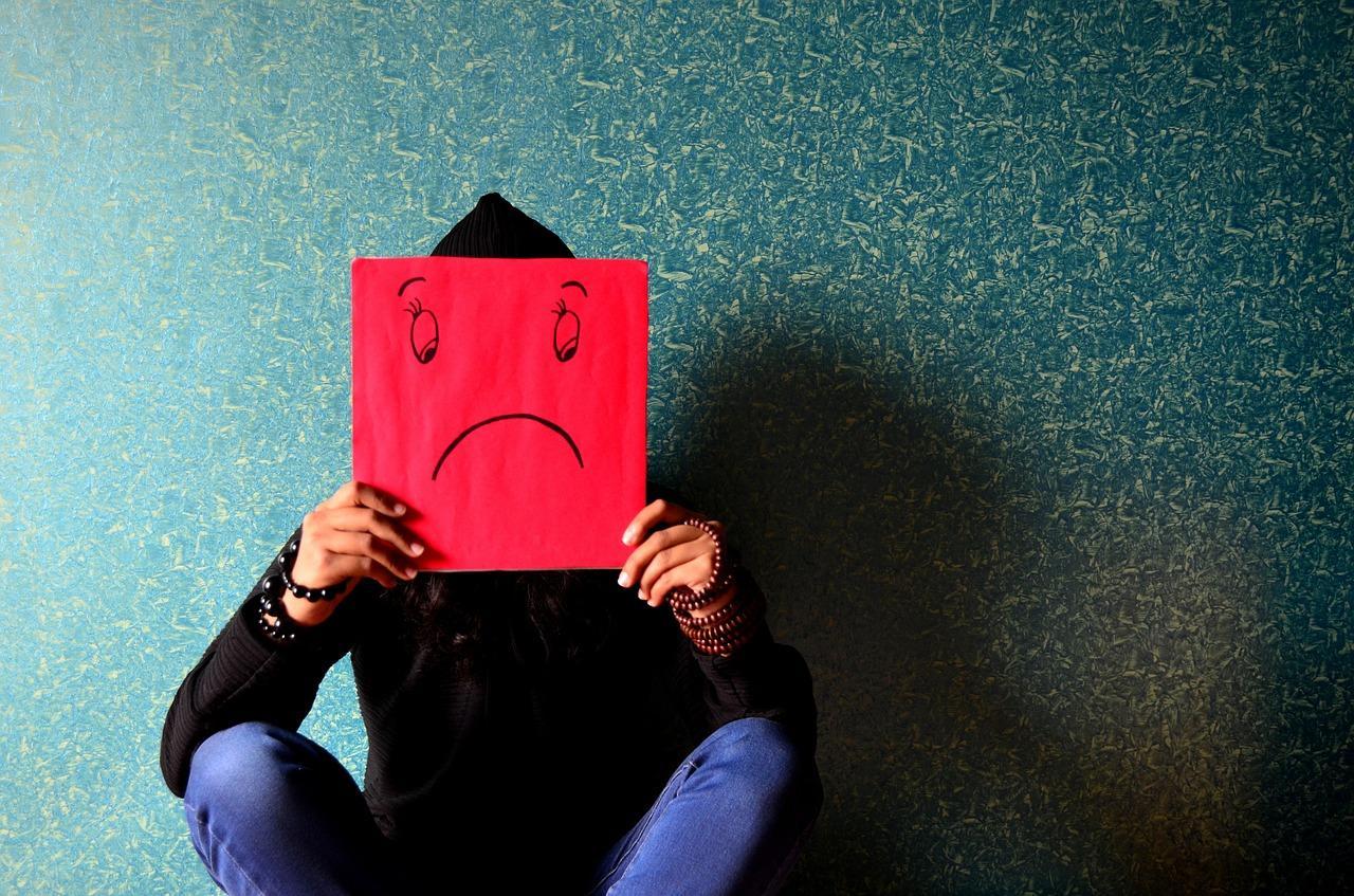 Депрессия: симптомы, лечение, причины, как проявляется