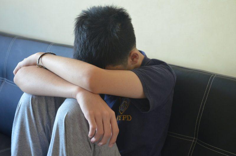 Печаль у мальчика